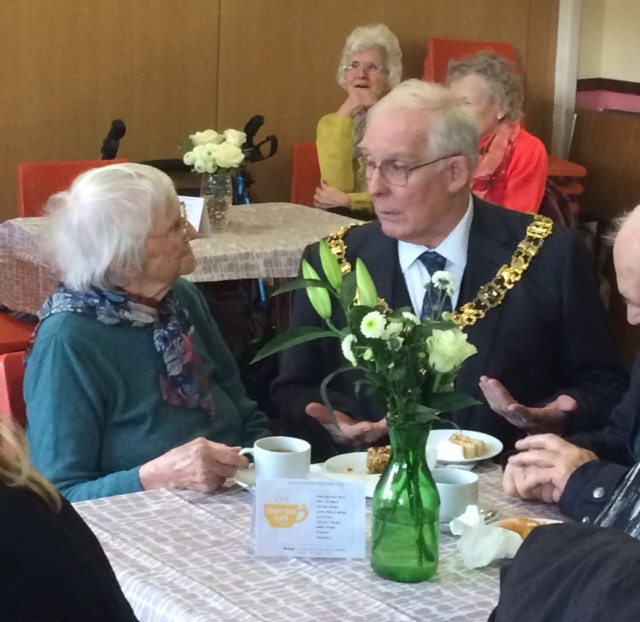 Winchester Mayor at Chat-Tea Café